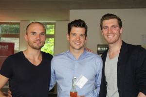 Auch das Familonet Gründer-Team kommt geschlossen, allerdings muss Hauke (m) sich der Jury allein stellen. — mit David Nellessen, Hauke Windmüller und Michael Asshauer