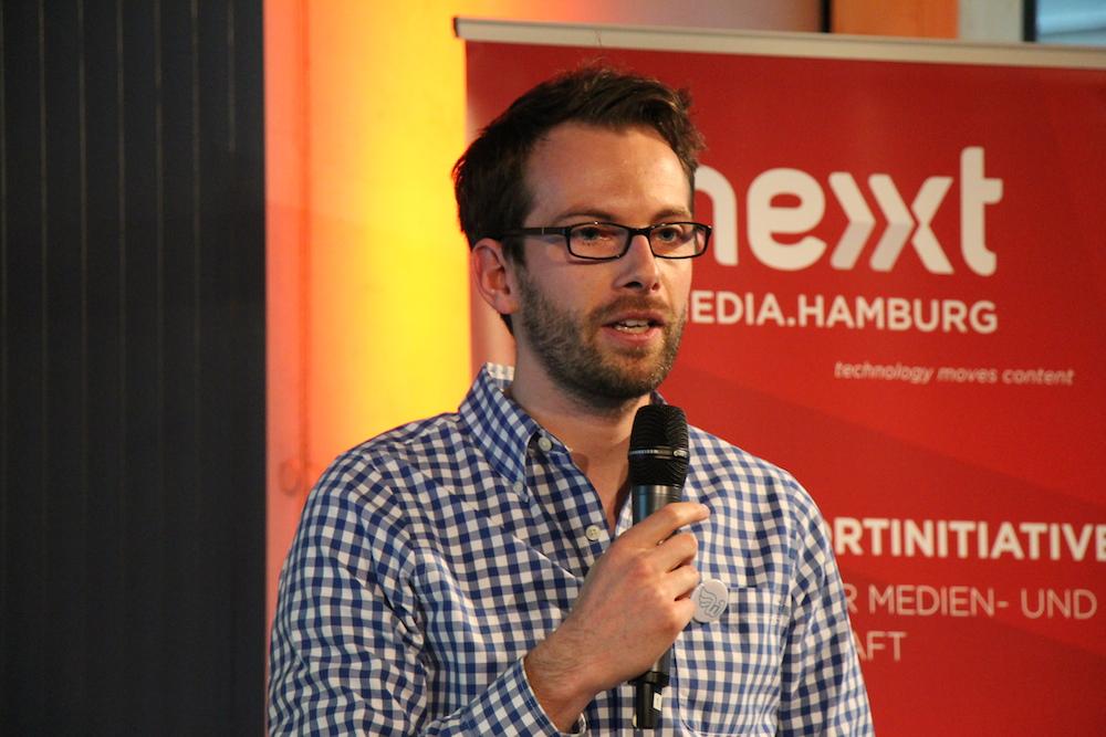 WunderCar Gründer Gunnar Froh pitcht beim Webfuture Award 2014. Der Gründer will mit seinem Team Shareconomy weiter in den Personentransport bringen. Mehr Infos zu WunderCar gibt's hier: http://www.wundercar.org/de/