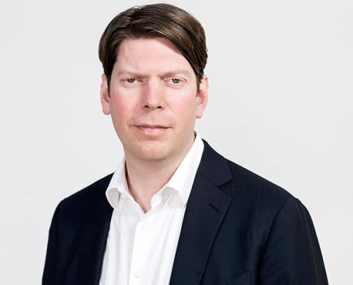 "<a href=""http://www.hamburg-startups.net/startupsreeperbahn-2014-pitch/startupsreeperbahn-2014-kuratorium/#lh"">Lars Hinrichs</a>"
