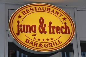 Erste Businesslunch Station: Das jung und frech auf dem Schulterblatt: Burger futtern