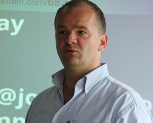 Mark Wesselink, Director Alumni Growth Program, macht deutlich, das Bootcamp ist nichts für Warmduscher