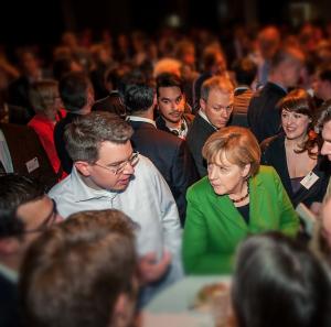 Im Auftrag für das Unternehmertum: Frank Thelen im Gespräch mit Kanzlerin Merkel (Quelle: Frank Thelen)