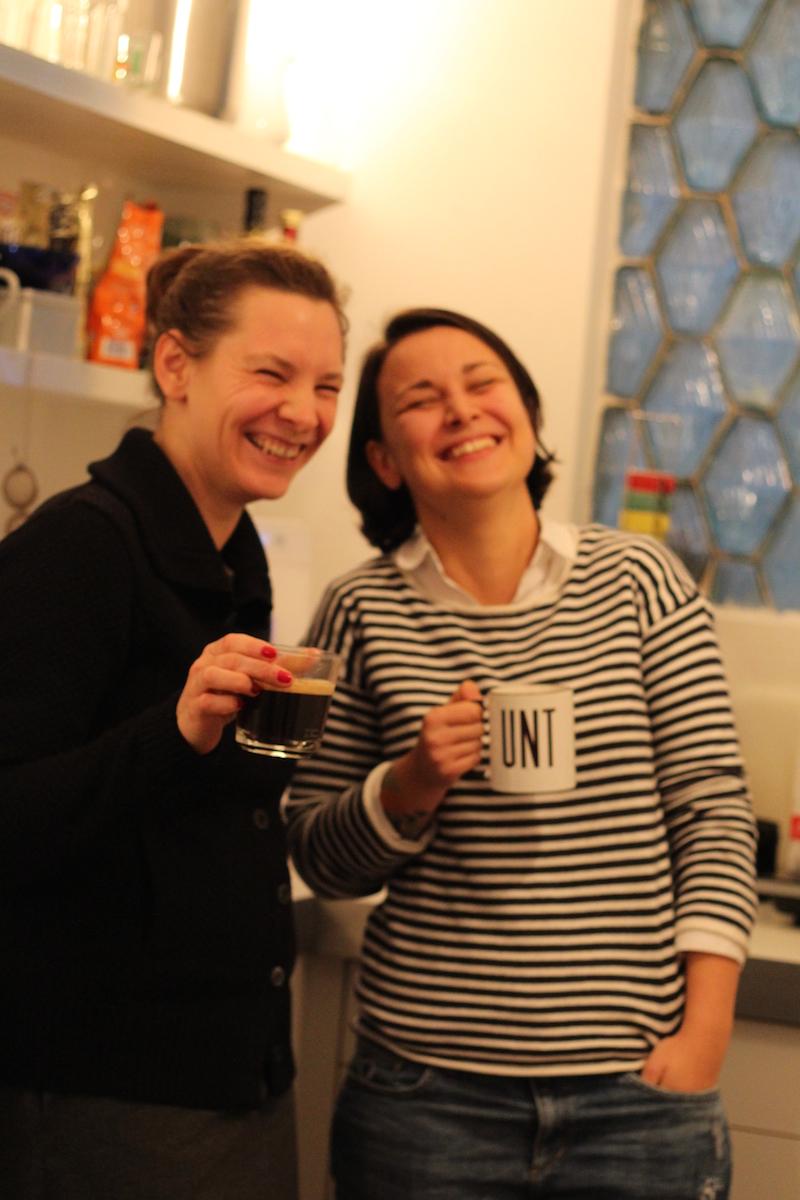 Immer gut drauf die Stuffler: Sarah mit Katharina Timner