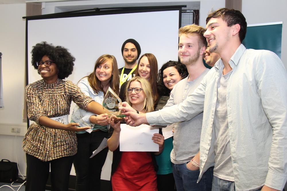 Glückliche Gewinner: Comate.me nimmt nicht nur den Publikumspreis sondern auch noch den Overall-Winner-Preis mit nach Hause