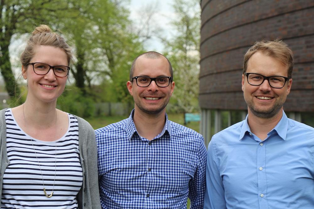 Orga-Cracks: Laura Steinau (l.) und Christoph Steckhahn aus dem Marketing gemeinsam mit  Sebastian Tempel