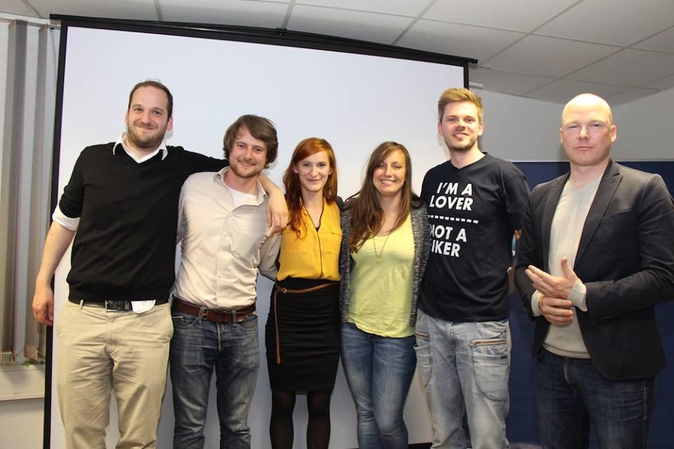 Das sind die ersten Startup-Slammer Hamburgs: Olaf von Kaufmann, Marius Schmeding, Theresa Grotendorst, Marina Guz, Jonathan Mall und Bosse Küllenberg