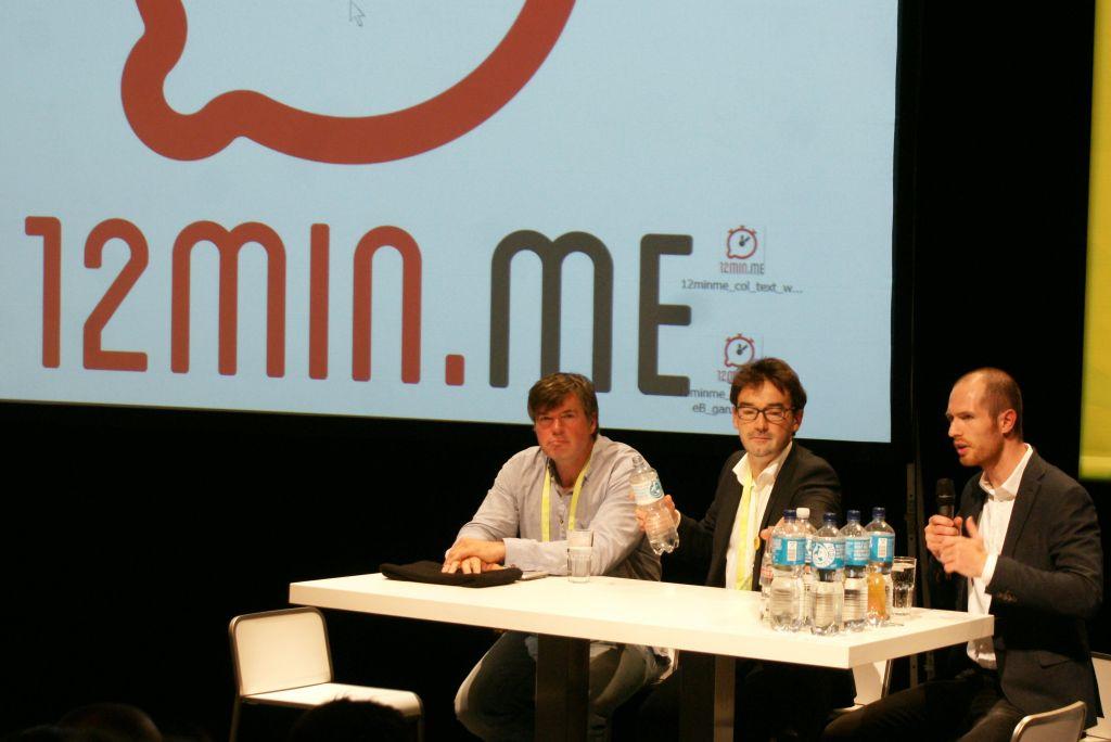 Nikolaus Förster von Impulse, Rüdiger Höfert von opusVR und Comedian Frank Eilers bei einer Kompaktversion von 12min.me