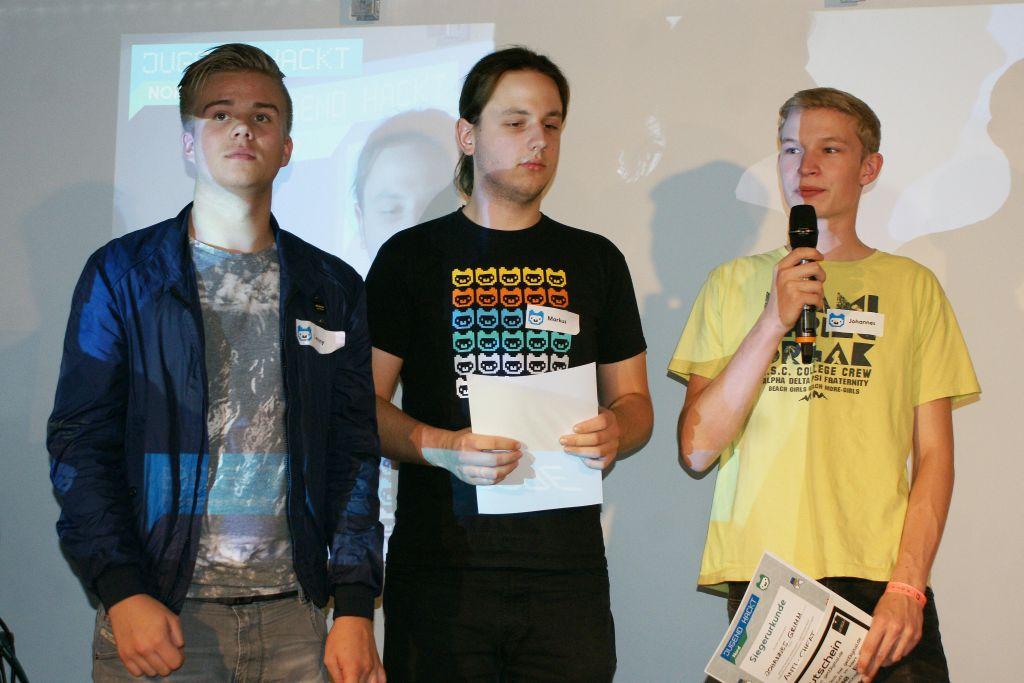 """Lenny, Markus und Johannes haben für """"Anti-Cheat"""" den besten Code programmiert."""