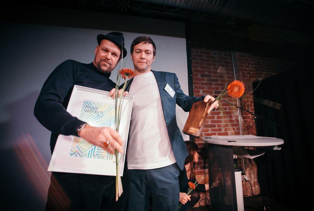 Chris Kiel und Johann Vollmer von Indigo Engineering räumen beide Preise des Abends ab