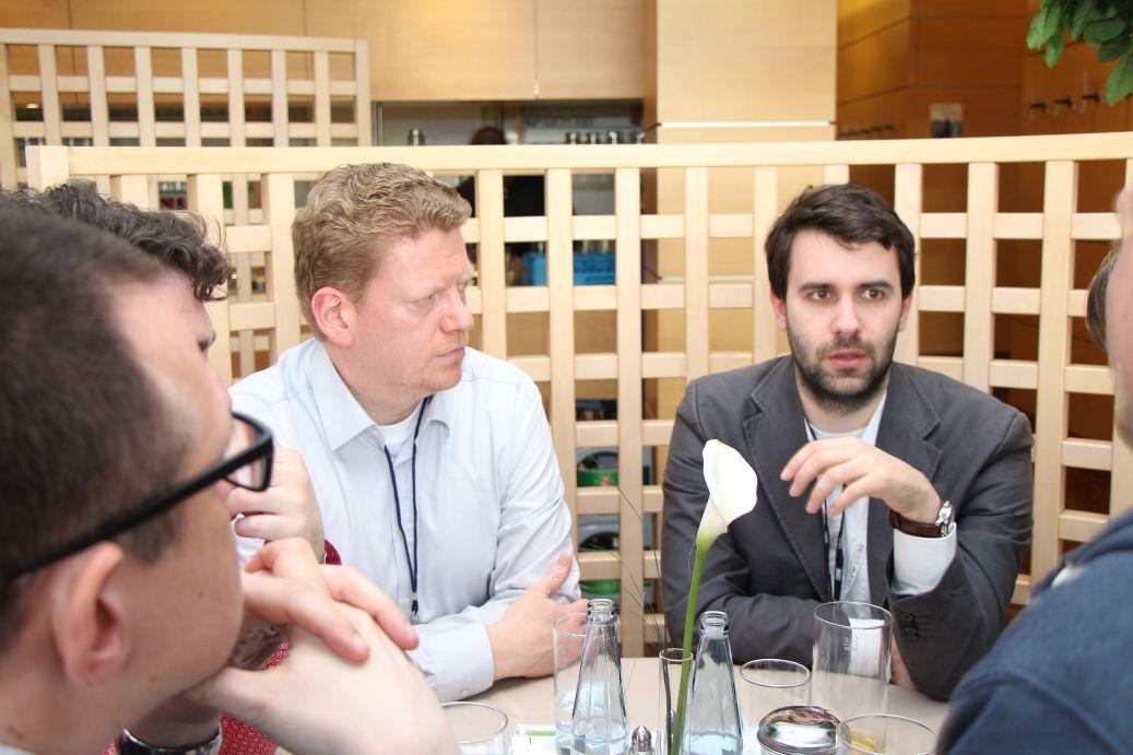 Falk Hedemann und Andreas Kitzing (Sponsoo) beim Presselunch