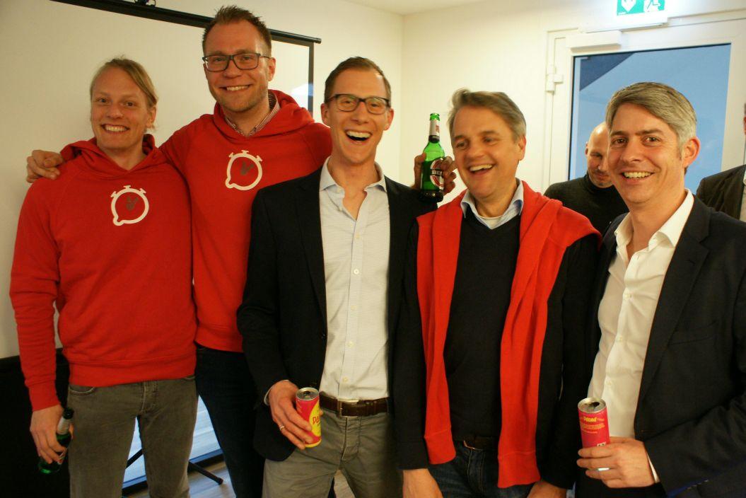 Freut sich über einen gelungenen Abend: Das InFlagranti-Team mit Arne Lotze, Oliver Rößling, Dr. Stephan R. Göthel (Pier11), Oliver-Arne Hammerstein und Dr. Oliver Rossbach (Pier11)