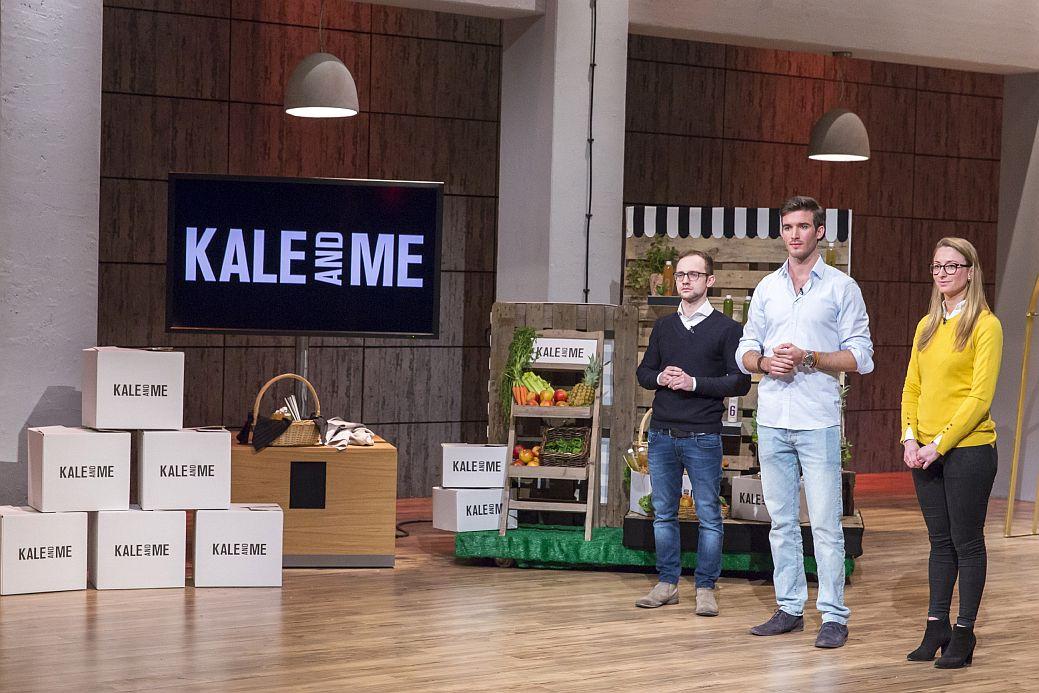 David Vinnitski , Konstantin Timm und Annemarie Heyl von Kale & Me erwarten das Urteil der Löwen (Foto: VOX / Bernd-Michael Maurer)