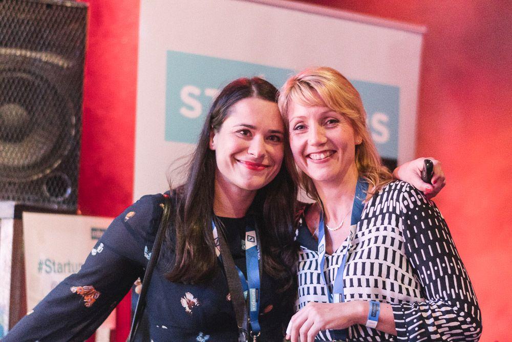 Sanja Stankovic und Sina Gritzuhn von Hamburg Startups freuen sich über eine äußerst gelungene Veranstaltung.
