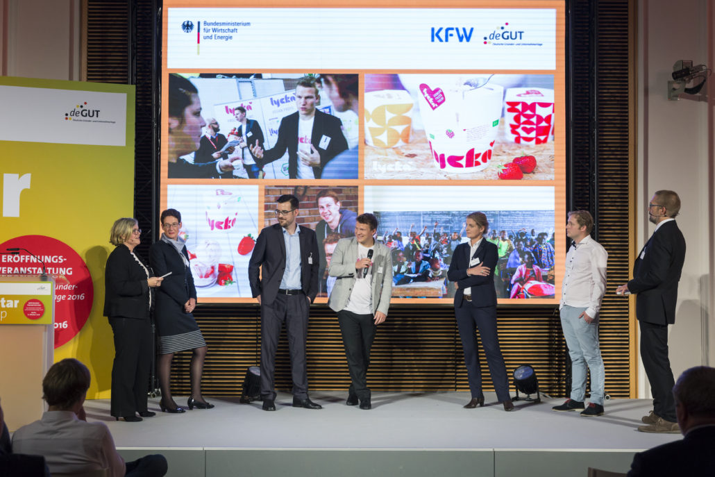 Preisverleihung des KfW Award GruenderChampions 2016, Prämierung und persönliche Vorstellung der GründerChampions.