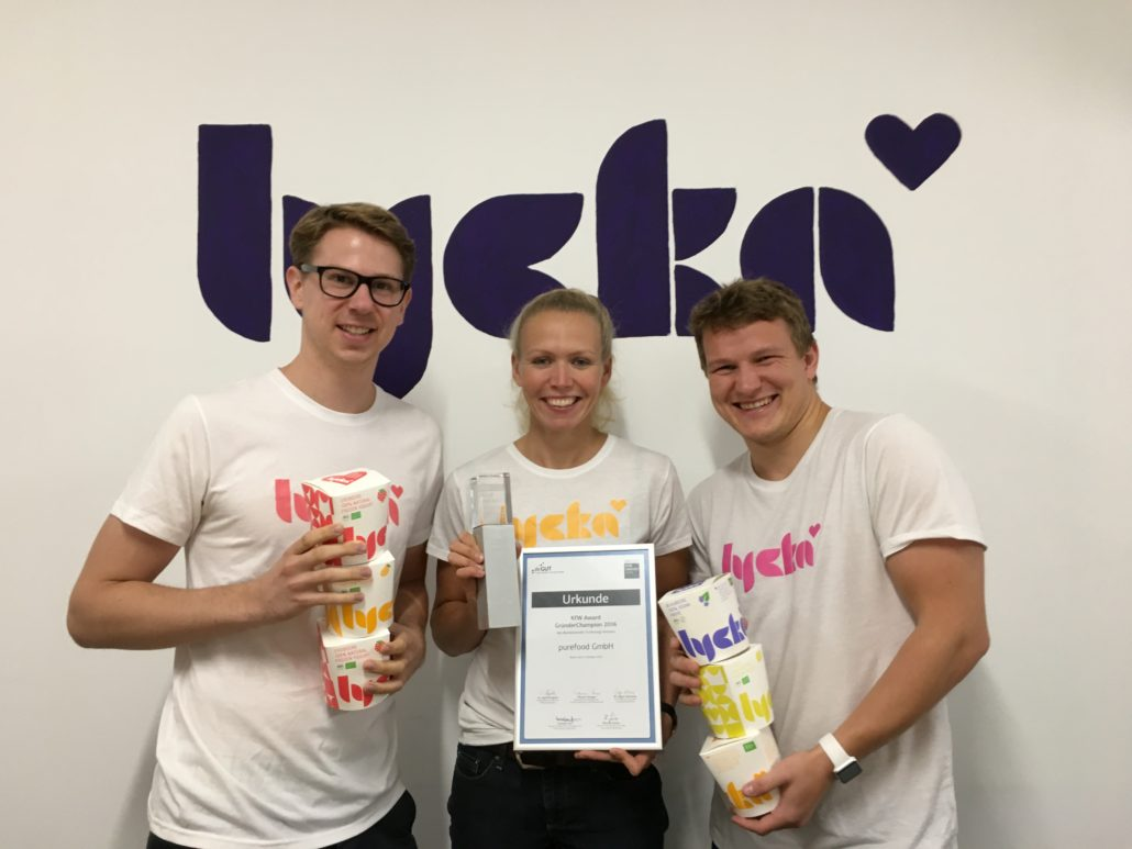 Das purefood Team bei dem KfW Award (Bild: purefood)