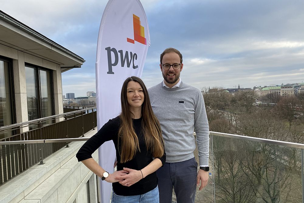 Sie werden die Teilnehmer während des Programms Scale Nord begleiten: Lisa-Marie Glass und Christoph Haß (Foto: PwC)