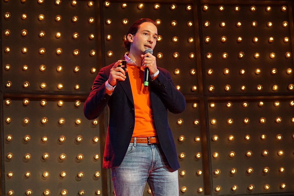 Dr. Hans-Christian Stockfisch, einer der Gründer von Flexvelop auf der Startup Stage im Rahmen des Reeperbahn Startup Pitch 2019.