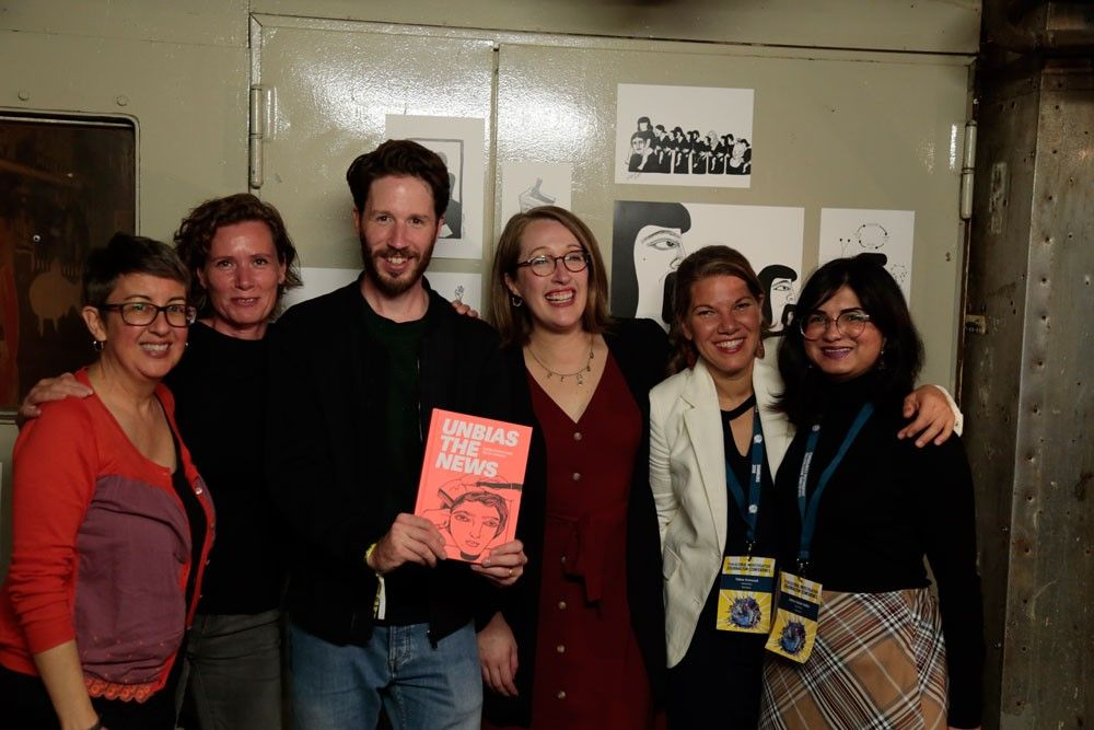 Das Team von Hostwriter mit Tabea Grzeczyk (2.v.r.) (Foto: Hostwriter)