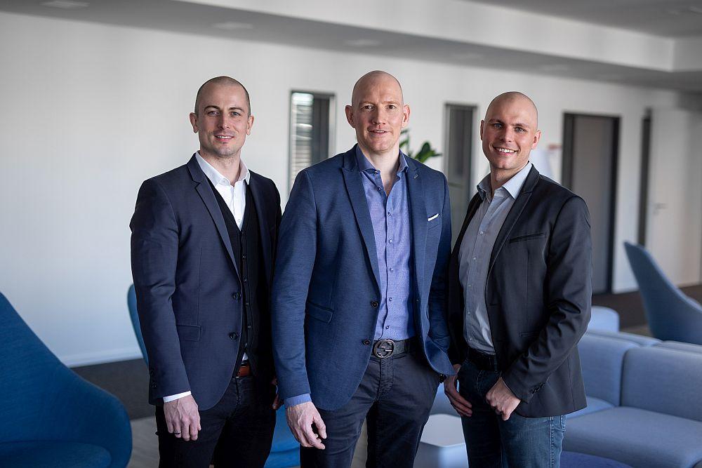Sie bilden die Geschäftsführung von InnoCigs: Dustin Dahlmann (CFO), Dennis Dahlmann (CEO) und Henning Sievers (CSO).