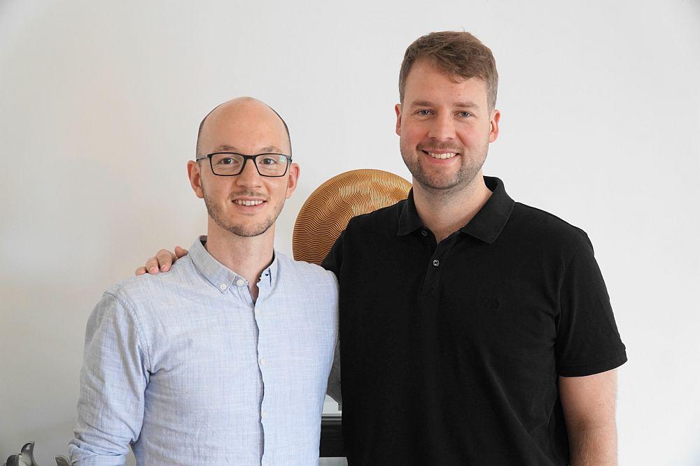 Die LIVEDAB-Gründer Adrian Hanrath und Hannes Meine.