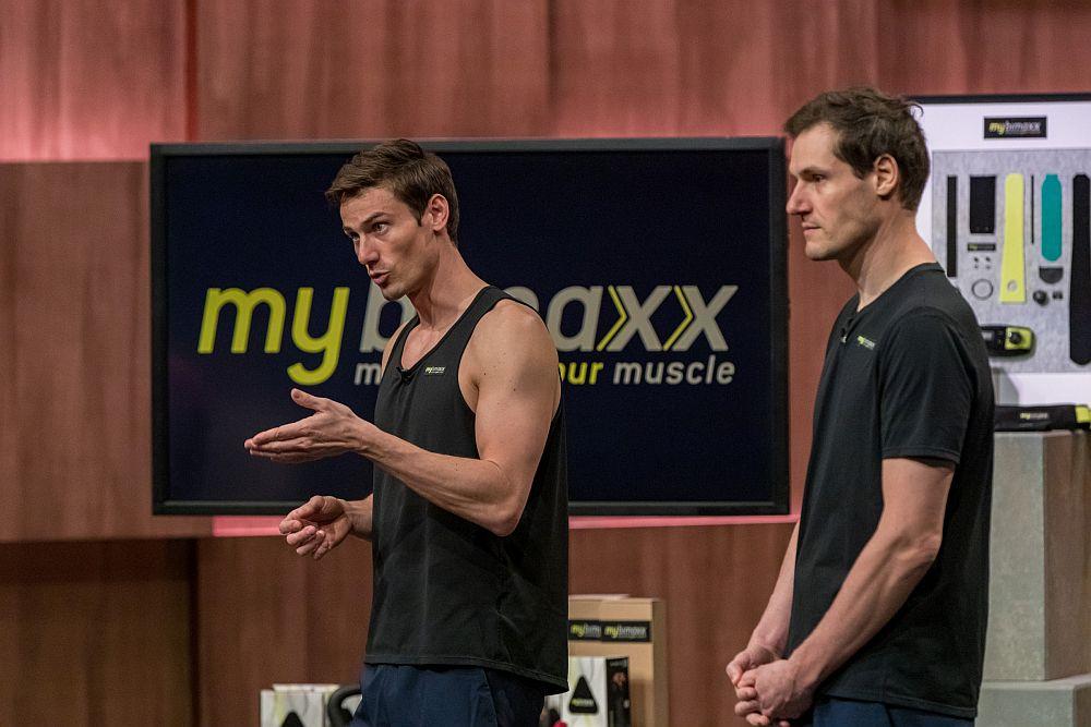 Lukas und Bastian Erdmann präsentieren mybimaxx. (Foto: TVNOW / Bernd-Michael Maurer)