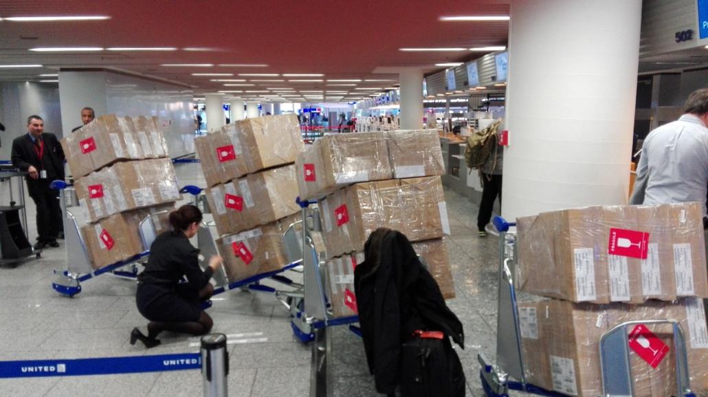 Umfangreiche Warensendungen gehören zum Alltag von Onboard-Kurieren. (Foto: PRIOjet)
