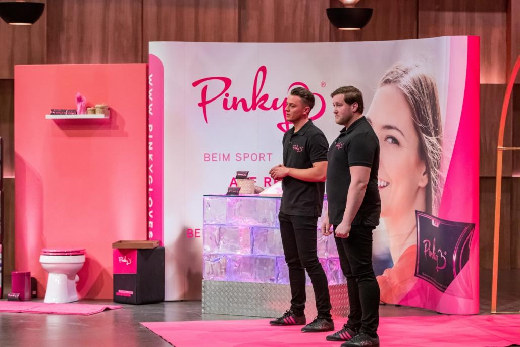 Eugen Raimkulow und Andre Ritterwürden vom Startup Pinky sehen sich als echte Frauenversteher. (Foto: TVNOW / Bernd-Michael Maurer)
