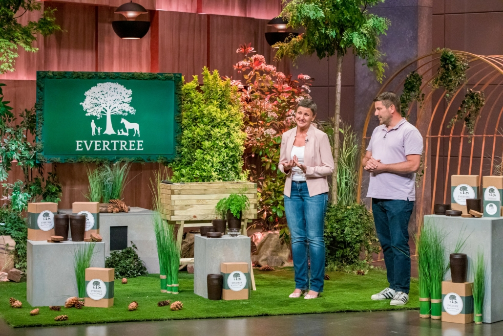 Helena und Andreas Hohnke bieten mit EVERTREE Balsam für die Seele.  Foto: TVNOW / Bernd-Michael Maurer