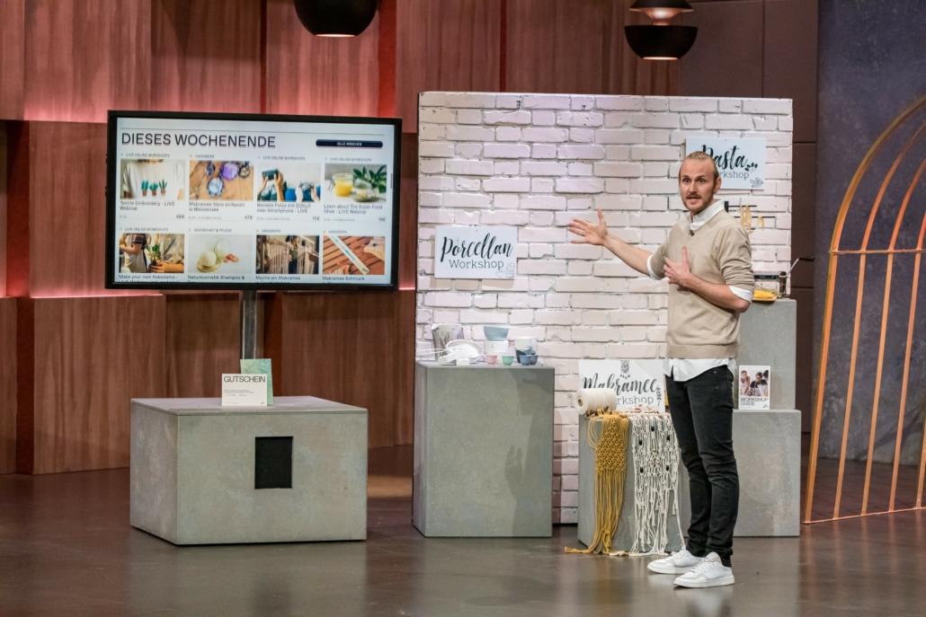 Jasper Kolb präsentiert seine Plattform The Makery.  (Foto: TVNOW / Bernd-Michael Maurer)