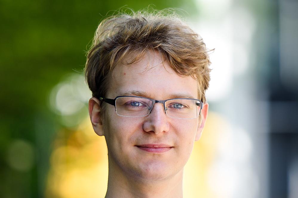 Als CTO und COO ist Lasse Schuirmann an Bord. Mit VIPERdev hat er bereits Spuren in der Hamburger Startup-Szene hinterlassen.
