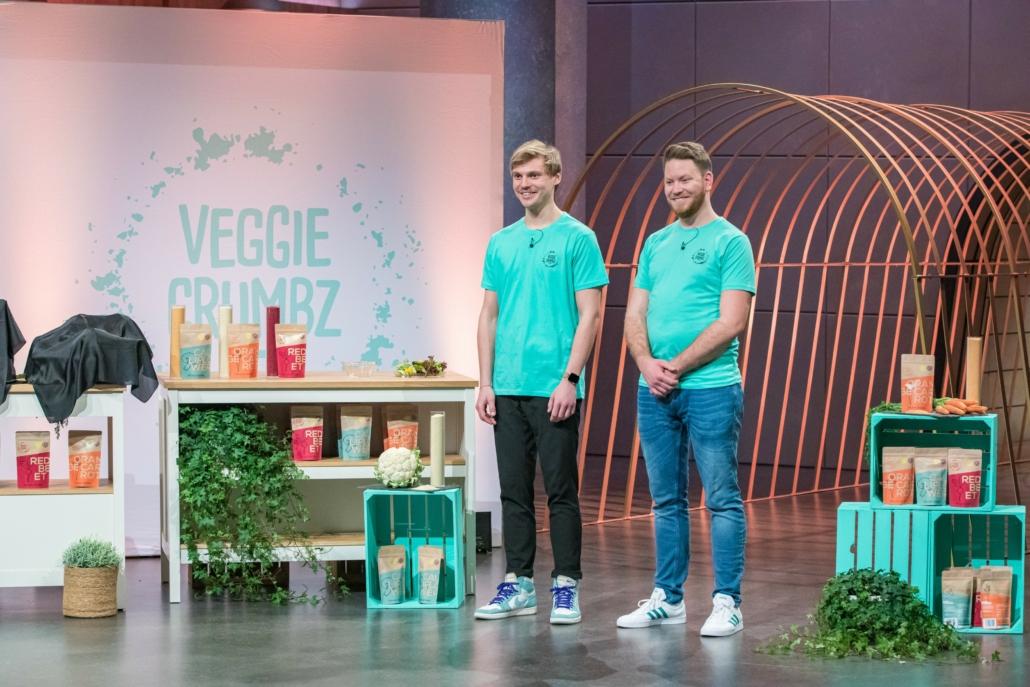 Marlon Harms und Wayne Kock von Veggie Crumbz haben aus Gemüse eine Alternative zu Brotpanade entwickelt.