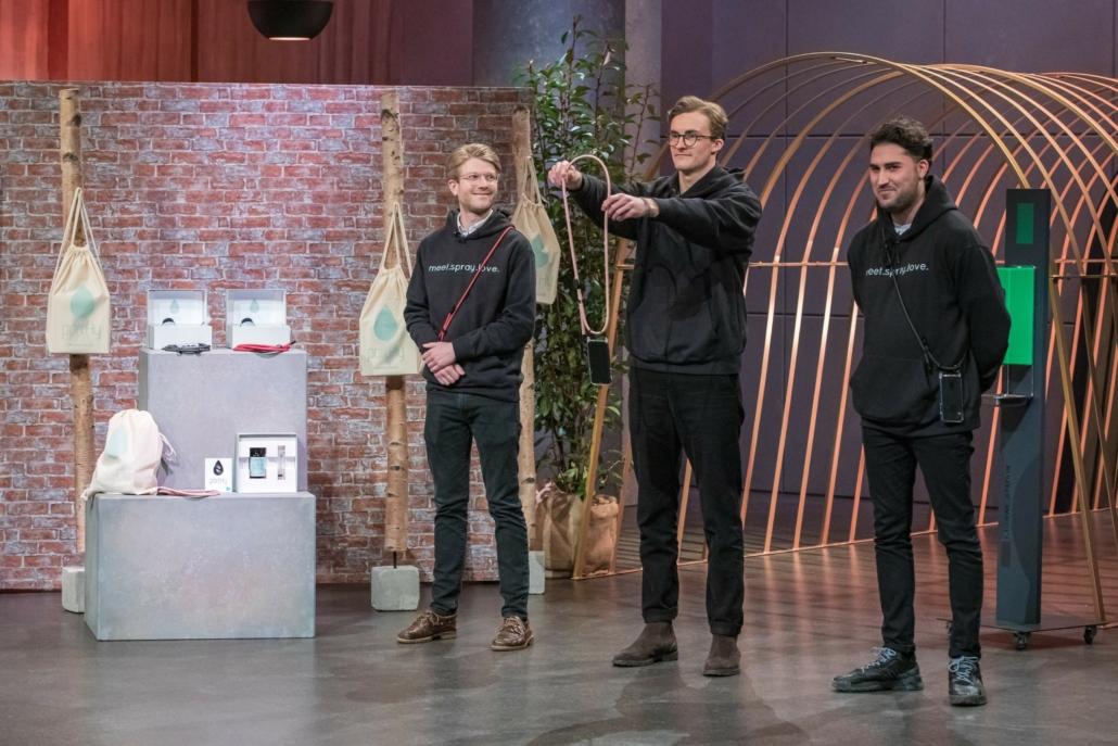 Jonathan Tenge, Paul Böllhoff und Julian Hesse hoffen auf ein gutes Geschäft mit der Handykette portHy.